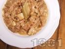 Рецепта Крехко телешко месо от джолан с кост задушено с пресни манатарки в лек сос от сметана, бяло вино и ароматни подправки в тенджера под налягане
